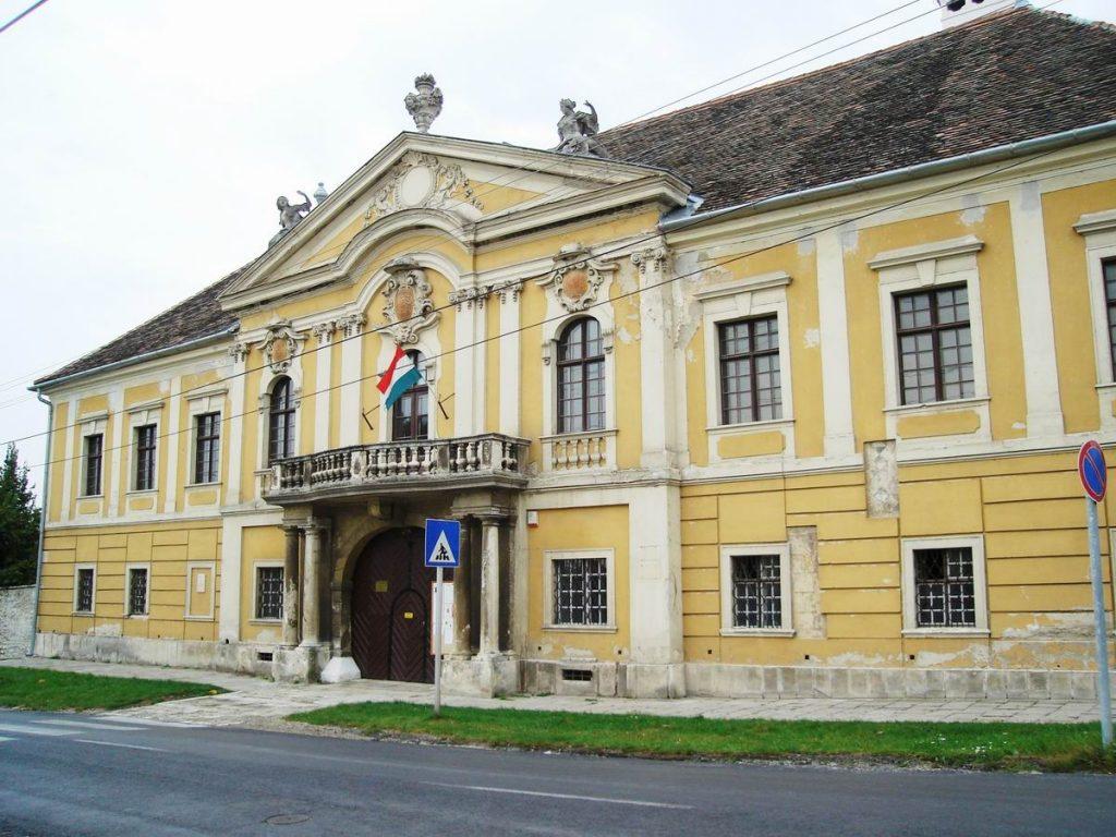 Fertőrákos, Püspöki-kastély