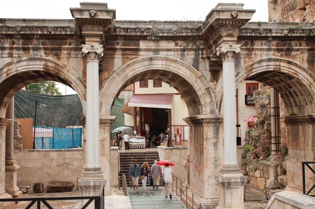 Antalya Hadrianus-kapu