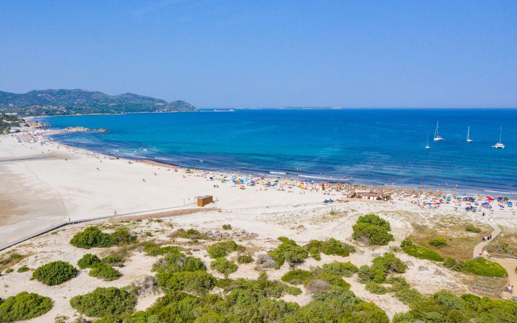 Porto Giunco beach