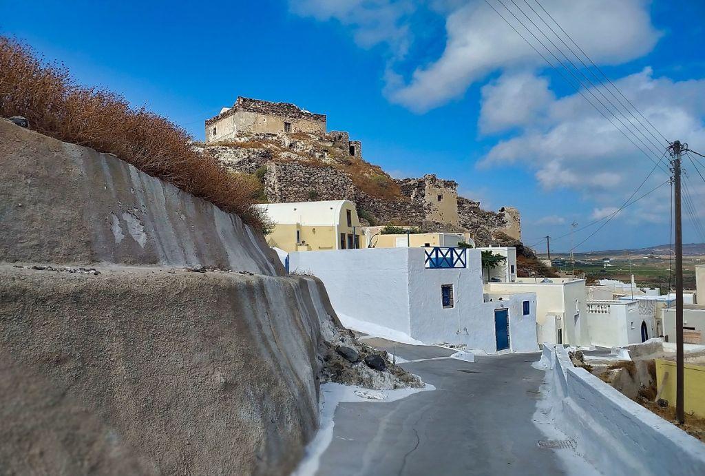 Akrotiri falu