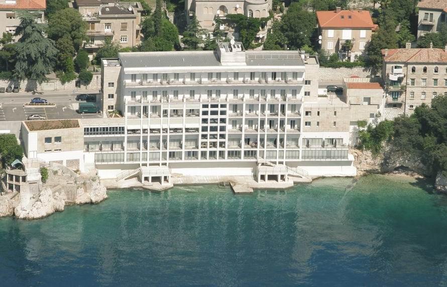 Rijeka szállás Mivel Rijeka az egyik legnagyobb horvátországi város, ezért minden típusú szállás megtalálható Rijekában.