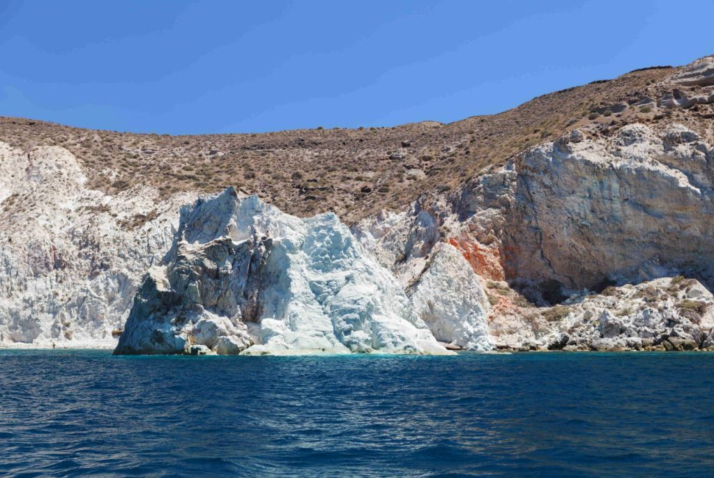 akrotiri white beach