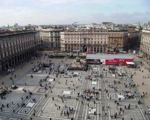 Milánó Milánó Olaszország második legnagyobb városa, Lombardia fővárosa, az építészet és művészetek szerelmeseinek egyik kedvenc városa.
