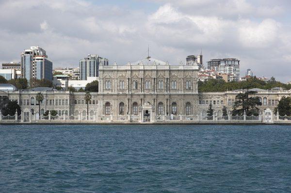 Dolmabache palota
