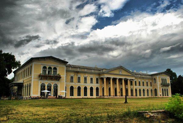 Fót, Károlyi-kastély