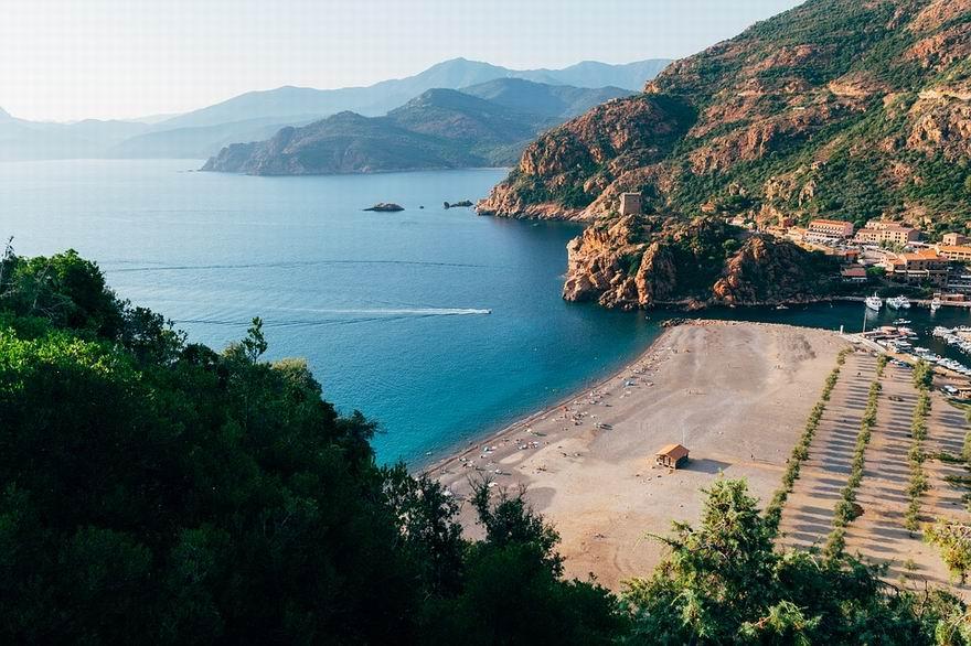 Korzika tengerpart